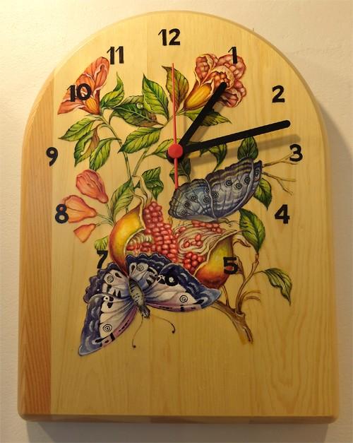"""Часы с авторской росписью, """"Бабочки"""""""