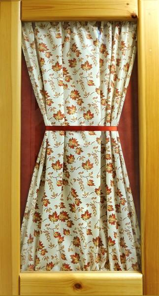 Вариант декора дверок тканью